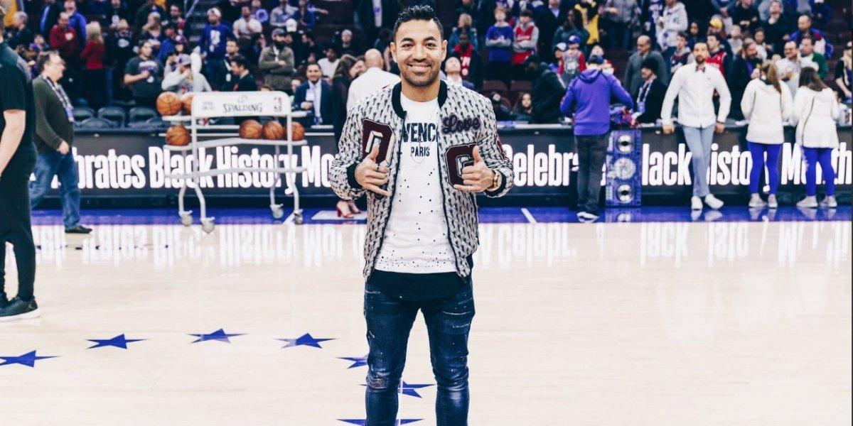 Marco Fabián comienza a familiarizarse con Filadelfia y asiste a juego de Sixers