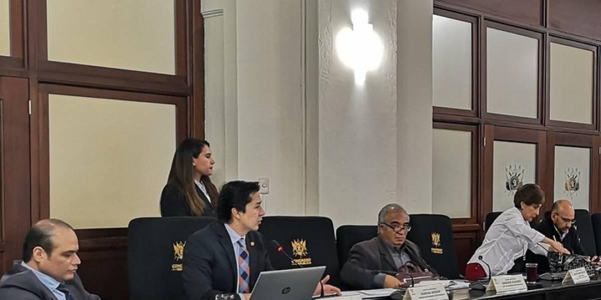 Oficialismo busca apoyo para aval de préstamo por US$100 millones
