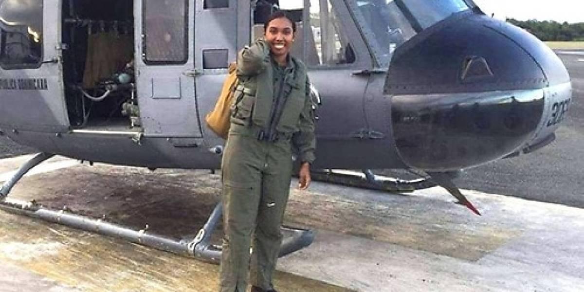 Una primer teniente se convierte en primer mujer capitán de nave Fuerza Aérea