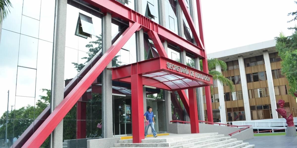 No se persiguió venta de plazas en Educación Jalisco, afirma secretario
