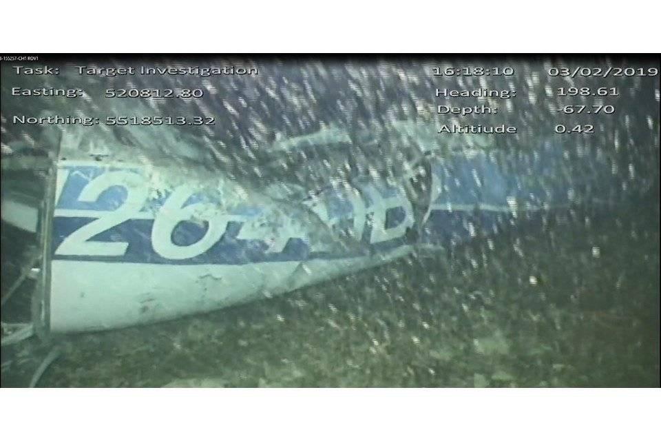 Encuentran cuerpo entre los escombros del avión en el que viajaba Sala