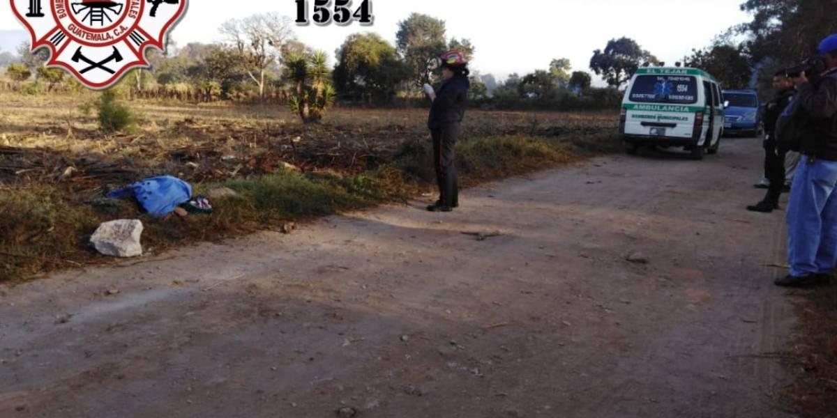 Localizan cadáver de hombre atado de manos en Chimaltenango