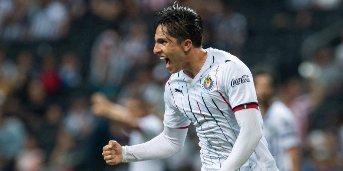 Otro jugador de Chivas al quirófano: Alan Cervantes será operado