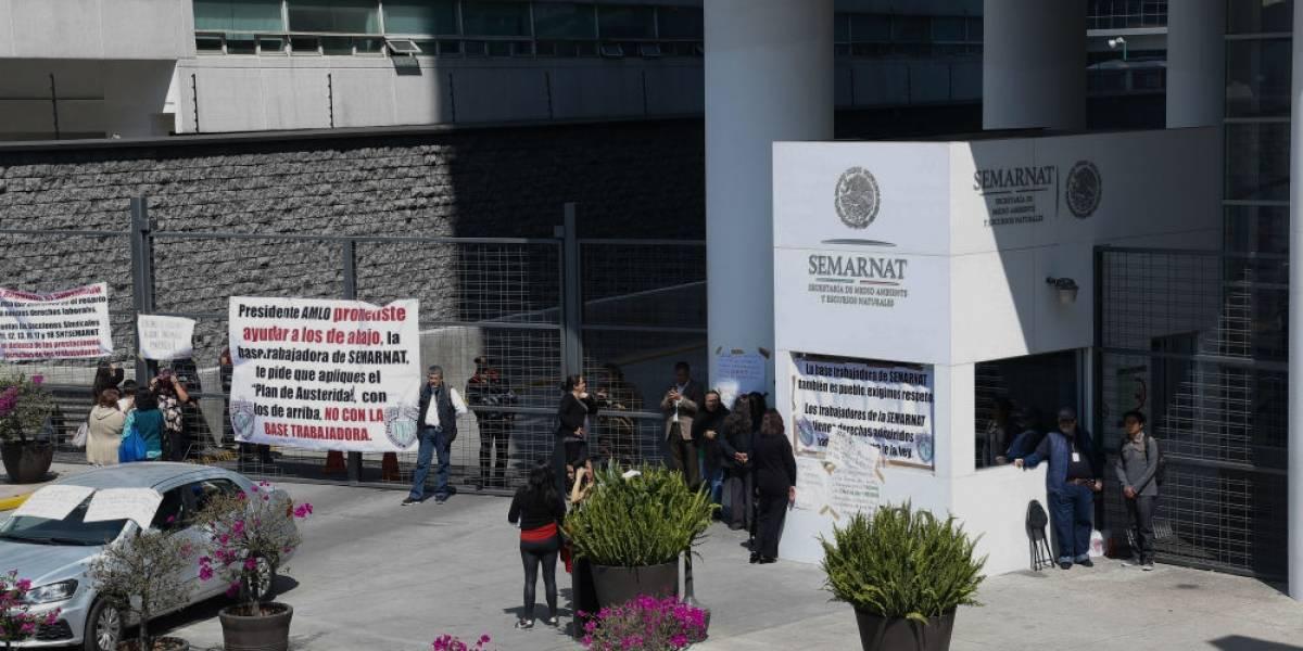 Trabajadores de Semarnat inician paro nacional de labores