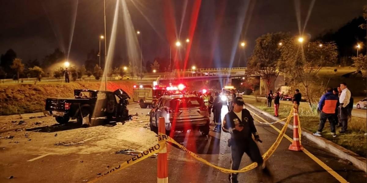 Quito: Un fallecido y cuatro heridos tras accidente en la Simón Bolívar