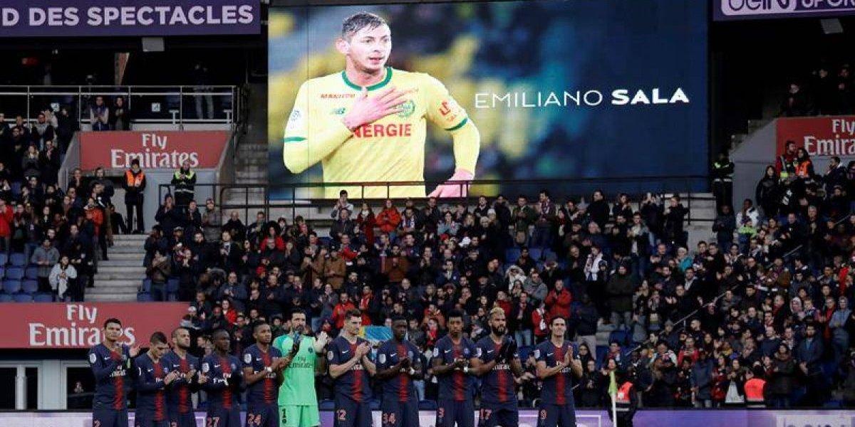 Minuto de silencio por Sala en Champions y Europa League