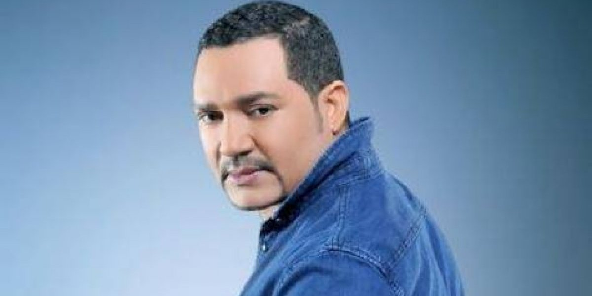 "Frank Reyes canta tema ""Ya no te creo nada"" a ritmo de merengue"
