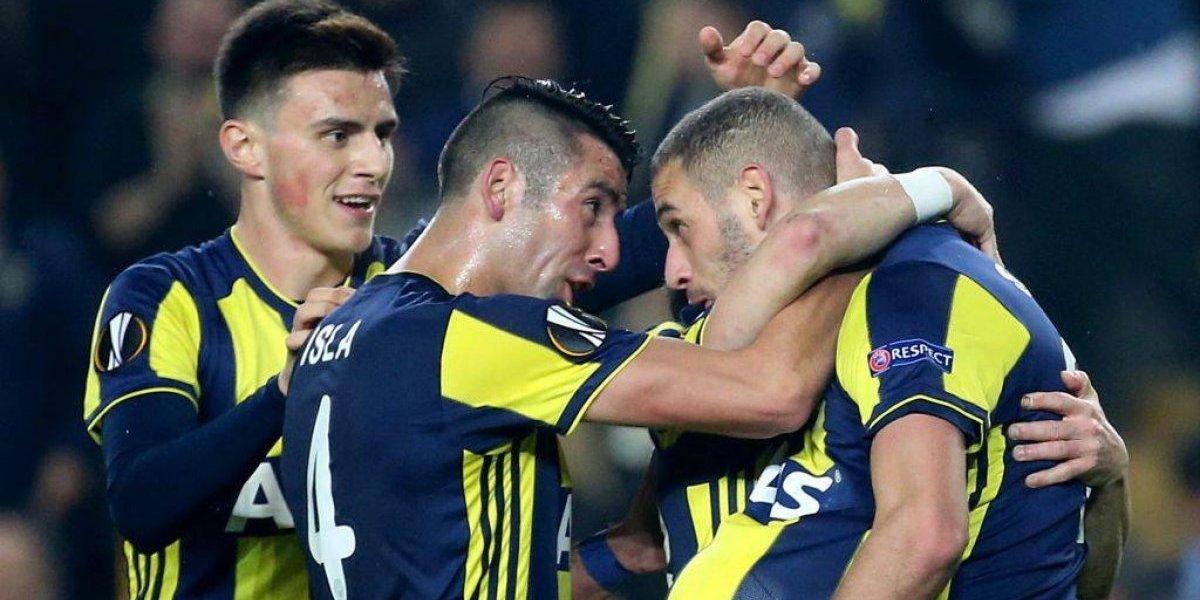 El Huaso Isla y su Fenerbahçe lograron un triunfazo ante Zenit en la Europa League