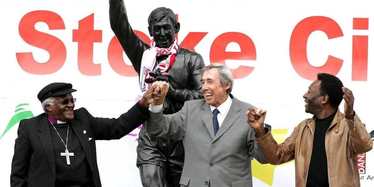 """Muere leyenda de Inglaterra que hizo """"la parada del siglo"""" a Pelé"""