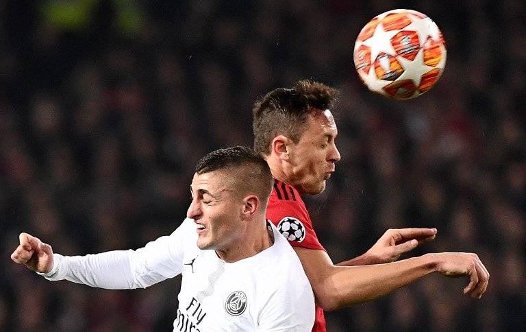 El partido de vuelta entre el Manchester United y el PSG, se llevará a cabo el 6 de marzo. AFP