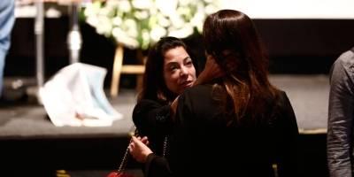 Ana Paula Padrão consola Veruska Seibel Boechat