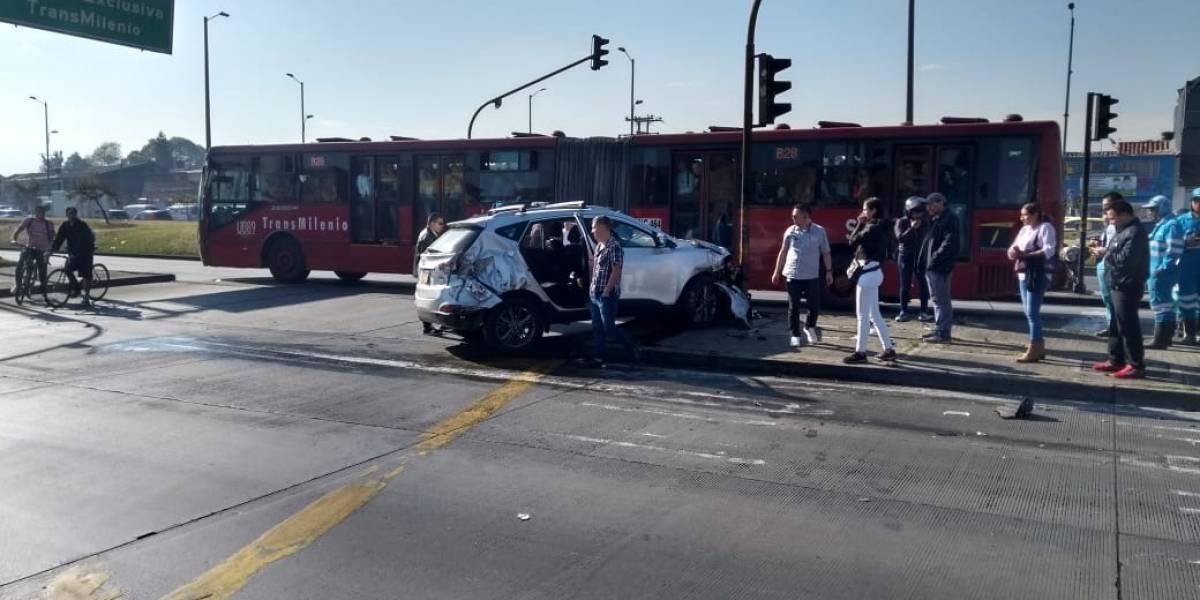 ¡Violento accidente se presentó en el sector de Banderas en Bogotá!