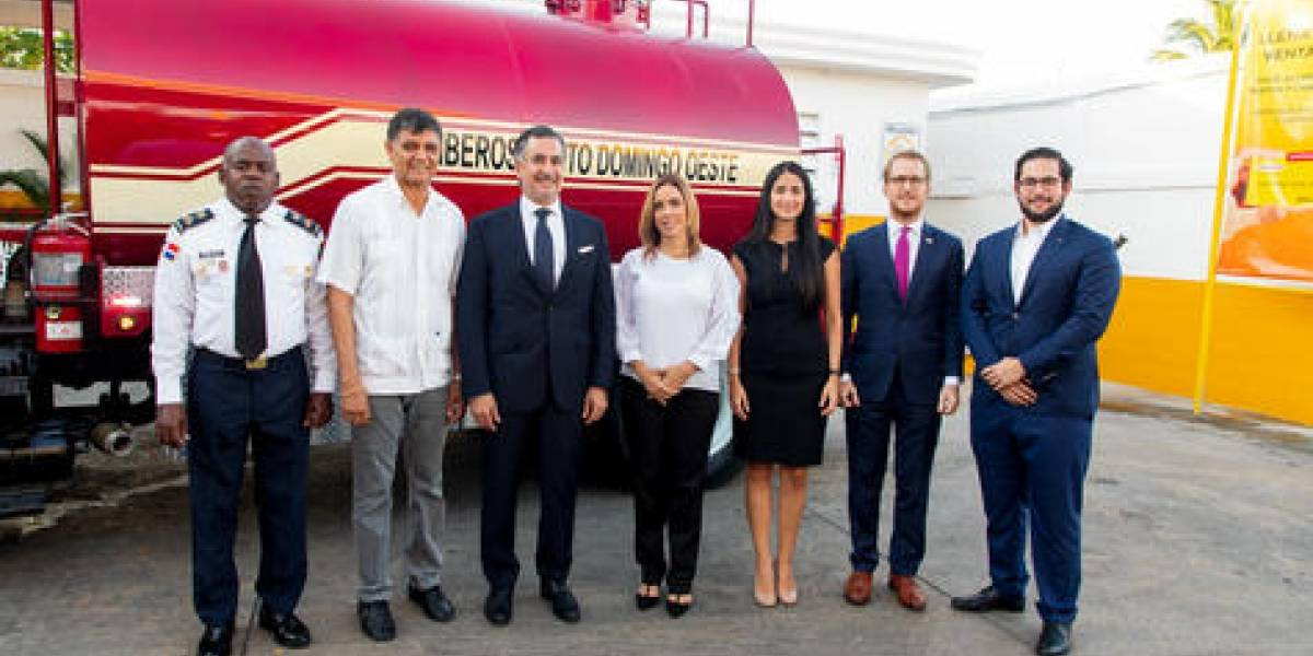 #TeVimosEn: Grupo MARTÍ dona estación y camión al Cuerpo de Bomberos de Santo Domingo Oeste