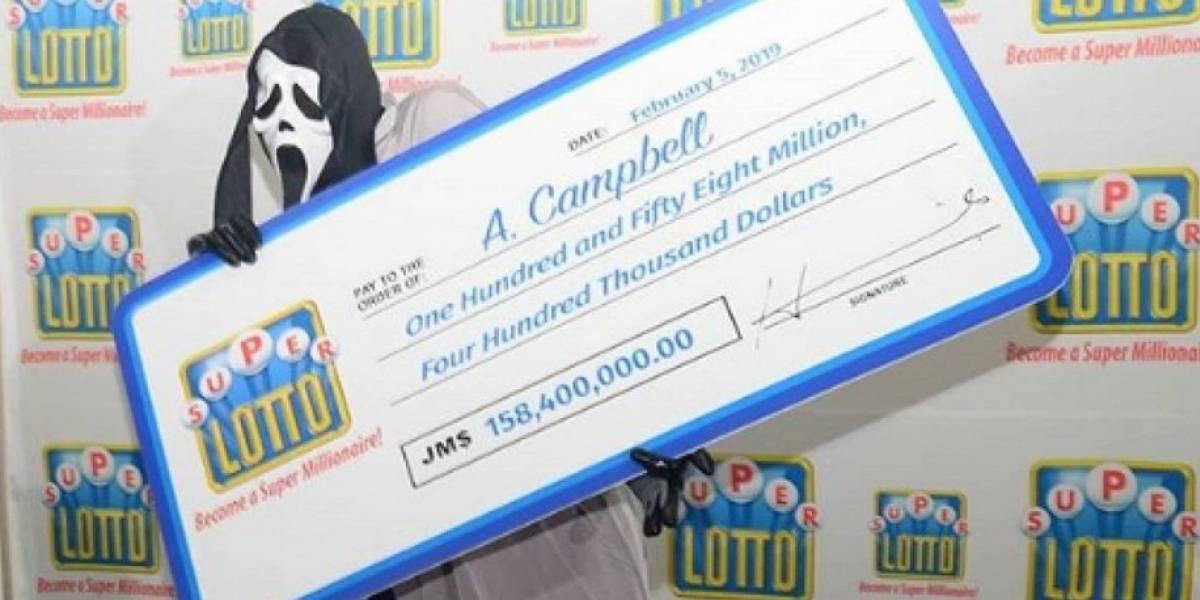 Ganó Lotería y se disfrazó para que no lo reconocieran