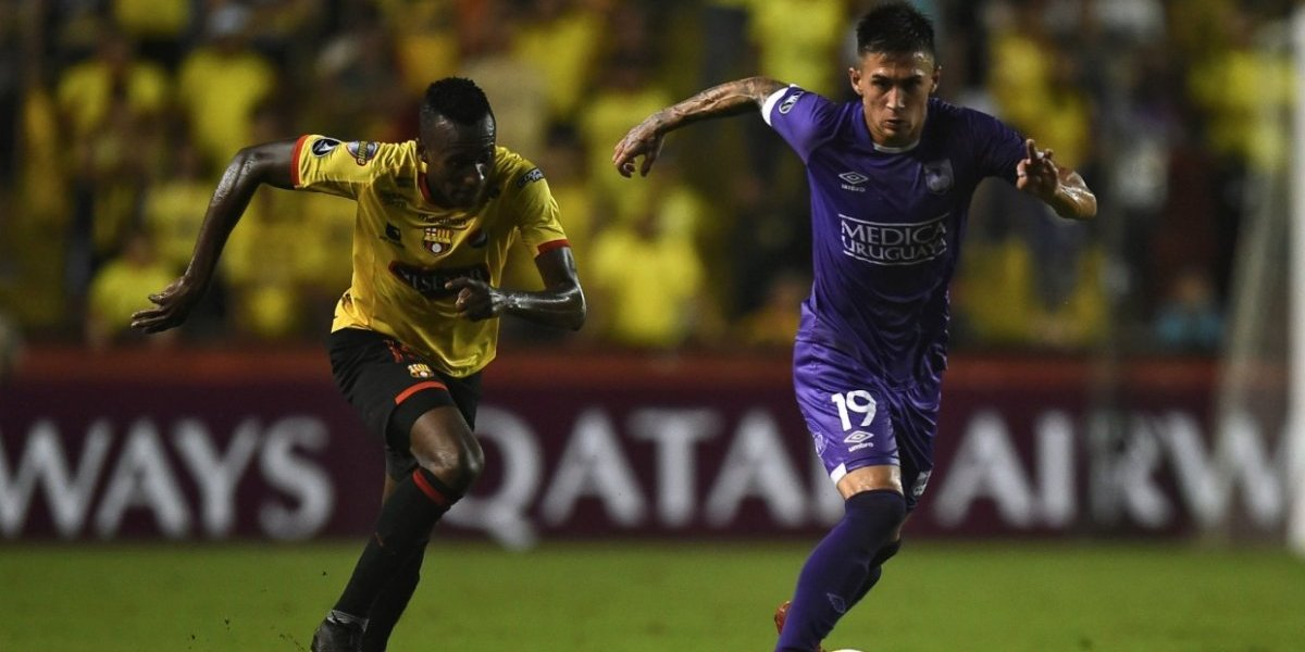 Otra vez el escritorio: Defensor Sporting eliminó a Barcelona de la Libertadores perdiendo los dos partidos