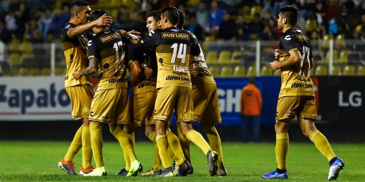 Dorados golea a Zacatepec y sueña con octavos de Copa MX