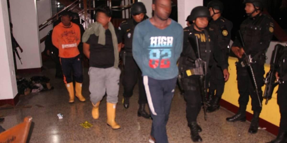 Condenan a dos ecuatorianos y un colombiano por transportar 707 kilos de cocaína en Guatemala