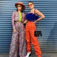 Constanza Báez y su hermana en la Semana de la Moda