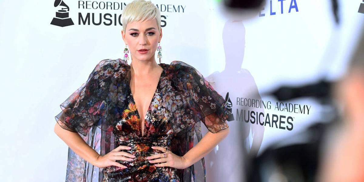 Sapatos da marca de Katy Perry são recolhidos de lojas após polêmica racial