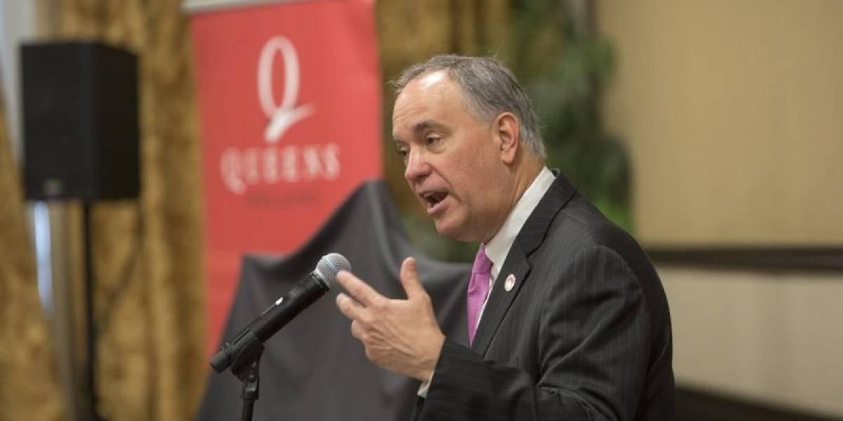 Boricua y exsecretario de la Familia se convierte en rector de la Universidad de la Ciudad de N.Y.