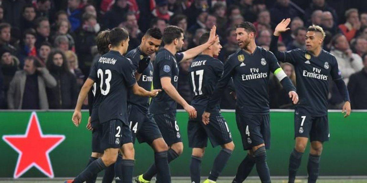 El Real Madrid celebra en el Amsterdam Arena, con polémica incluida