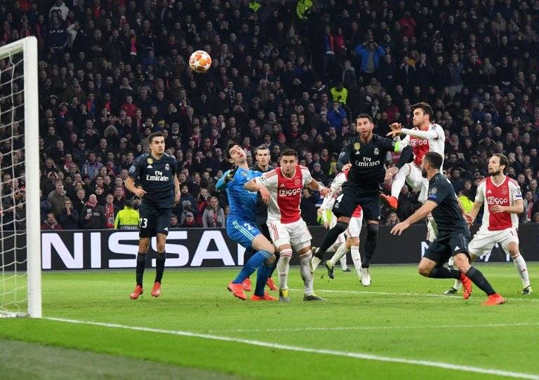 Las mejores acciones del juego Ajax - Real Madrid. AFP