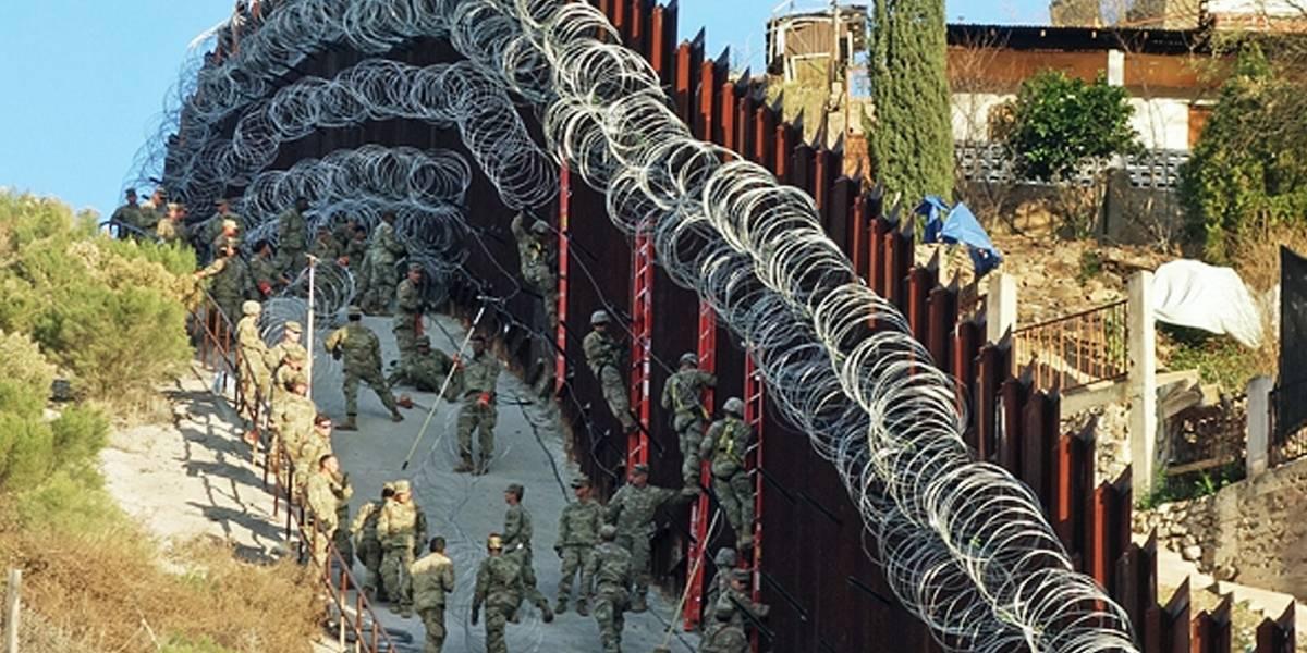 EE.UU. envía más soldados a frontera con México