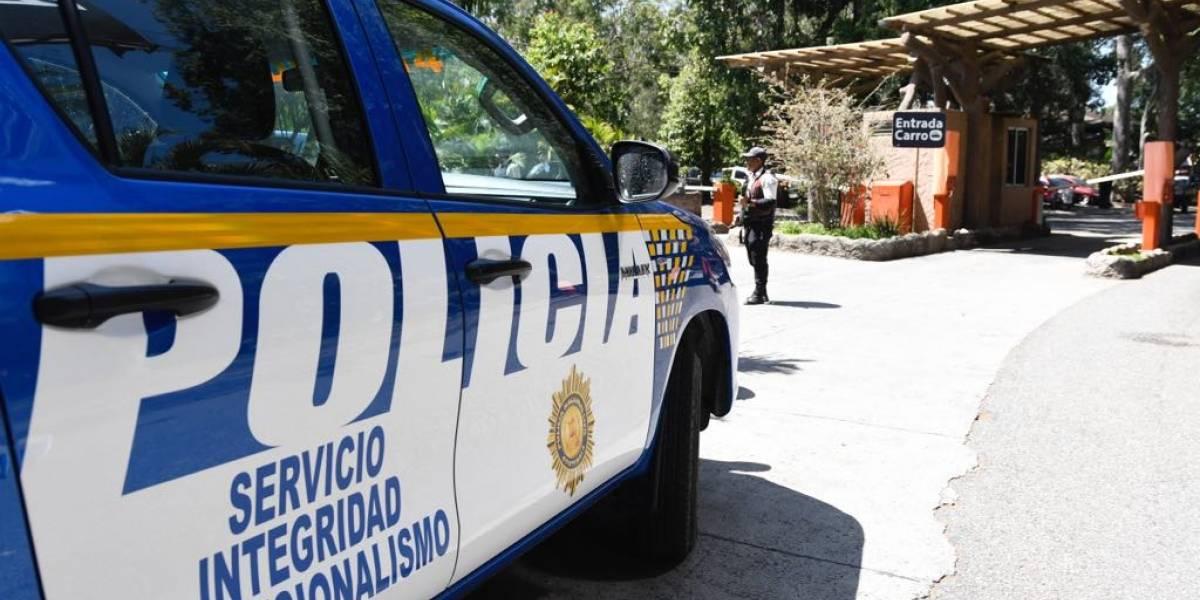 Verifican alerta de explosivo en el zoológico La Aurora