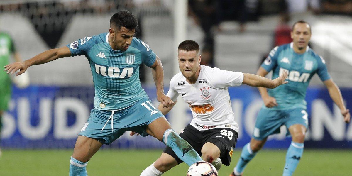 El Racing de los chilenos no supo aguantar y dejó escapar una importante victoria ante Corinthians en Brasil