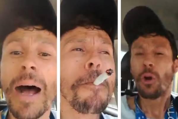 taxista fuma marihuana mientras conduce en Bogotá
