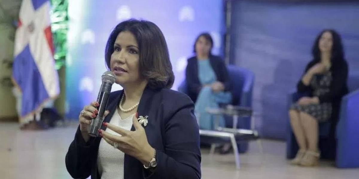 Vicepresidenta atribuye a descomposición social crímenes en el país