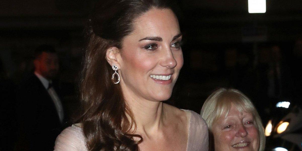Vestido de Kate Middleton surpreende novamente e atrai todos os olhares em jantar de gala