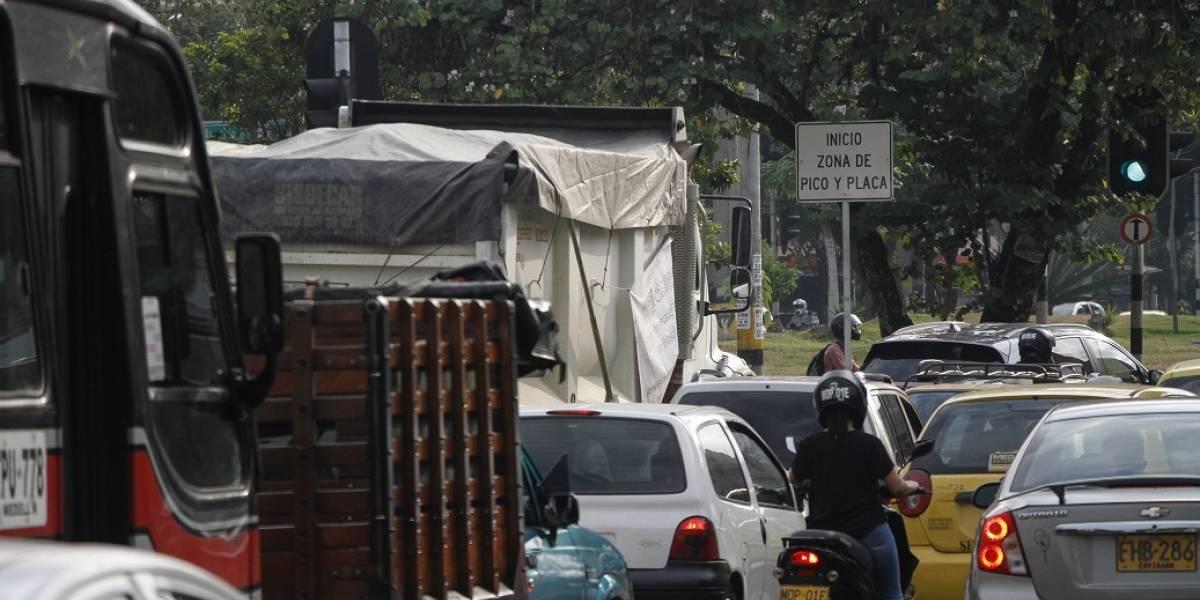 Ministerio de Transporte cuestionó medida de pico y placa ambiental y así respondió el alcalde