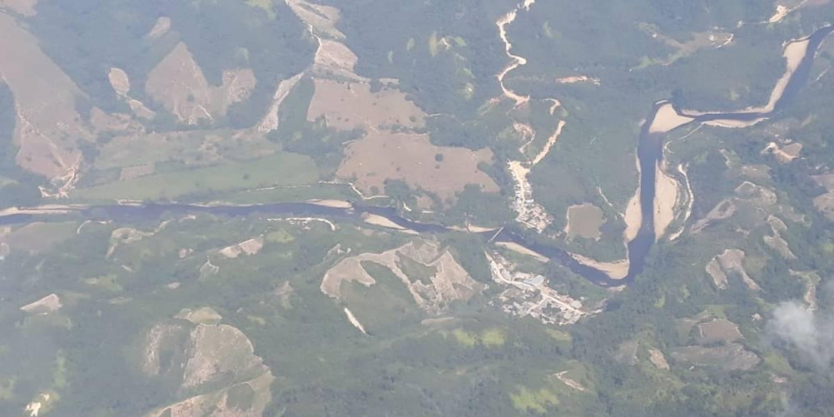 ¡Qué tragedia! La mancha de crudo en el río Catatumbo se extiende por 117 kilómetros