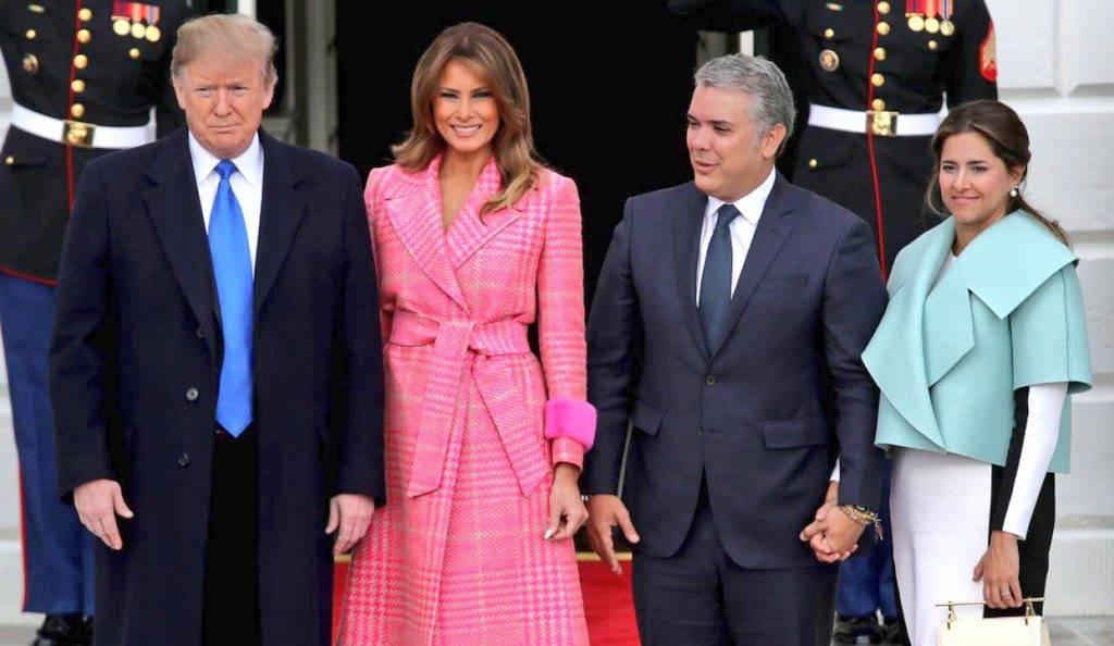 El extraño vestuario de la primera dama colombiana durante su visita a la Casa Blanca provocó una oleada de memes en redes sociales