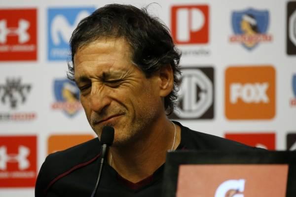 El técnico sufrirá con las bajas de Colo Colo para el debut / Imagen: Photosport