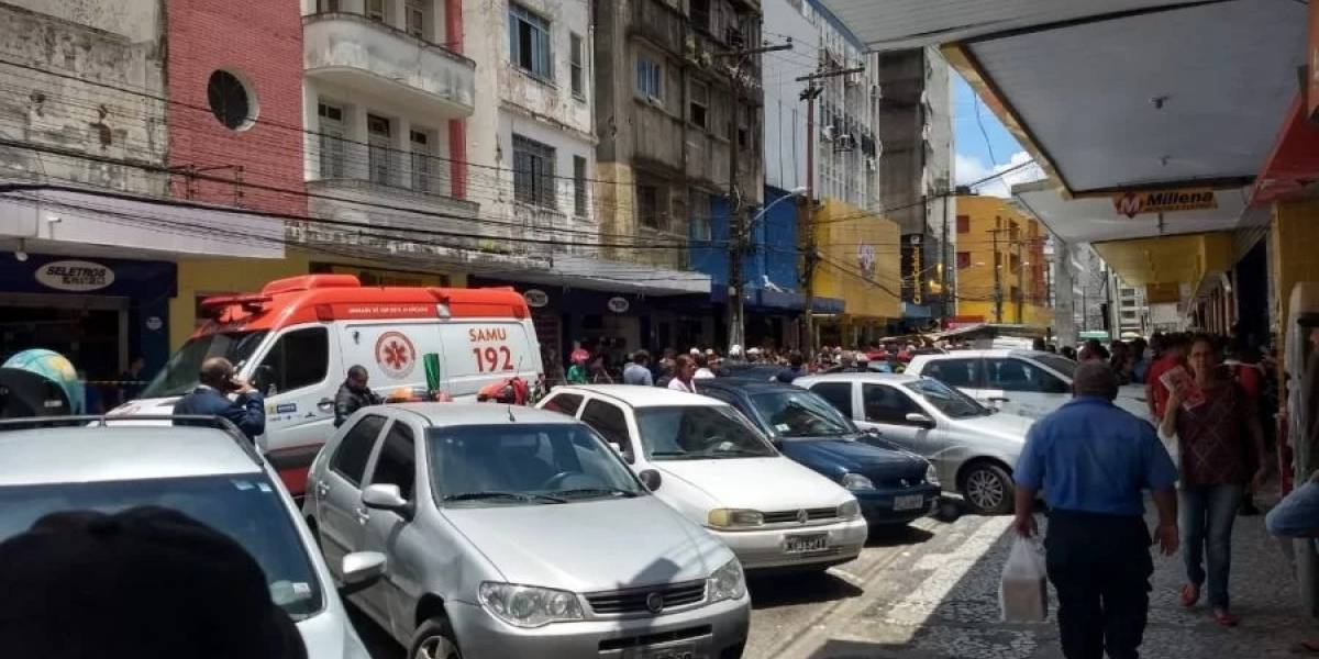 Flanelinha perde controle de carro e atropela cinco pessoas em Recife