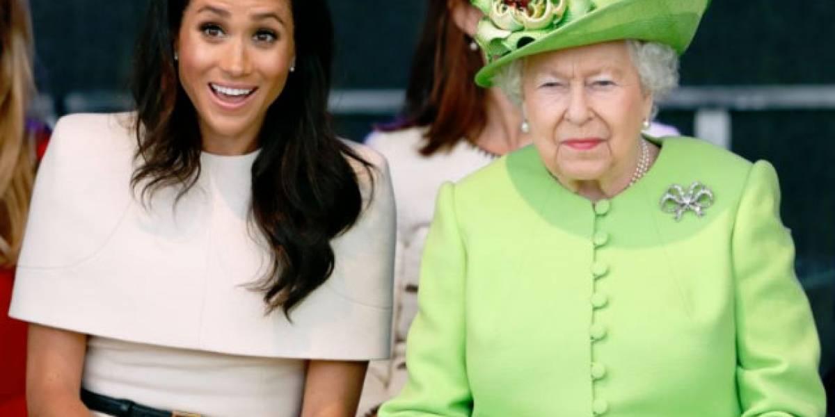 La reina Isabel le exige a Meghan Markle que termine con su drama familiar