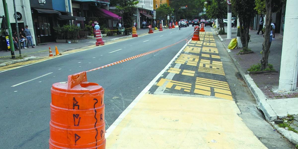 Termina nesta sexta o teste de ampliação da calçada da rua dos Pinheiros