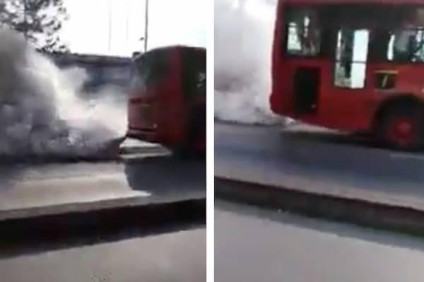 TransMilenio soltando una humareda es viral en medio de la emergencia por la calidad del aire