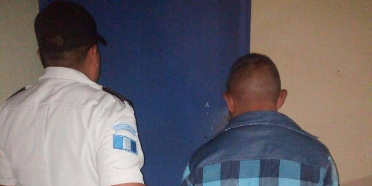 Detenido en Baja Verapaz por intentar asesinar a su hijo