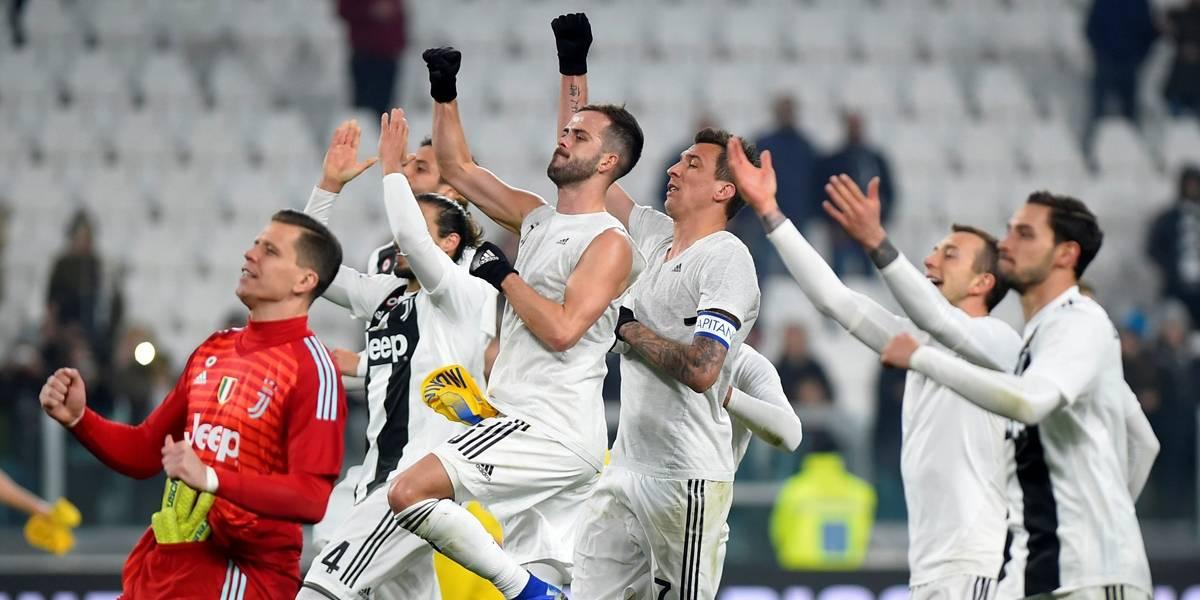 Juventus goleia Frosinone e dispara na liderança da Série A