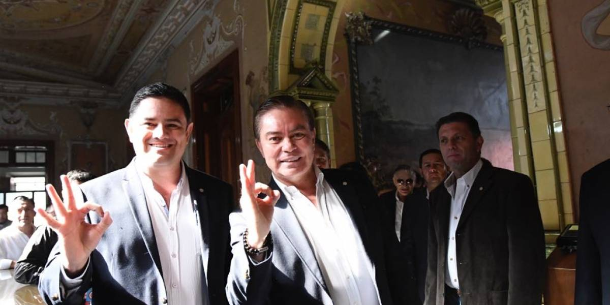 ¿Qué hacía Juan Pablo González Mayorga con Mario Estrada en EE.UU.?