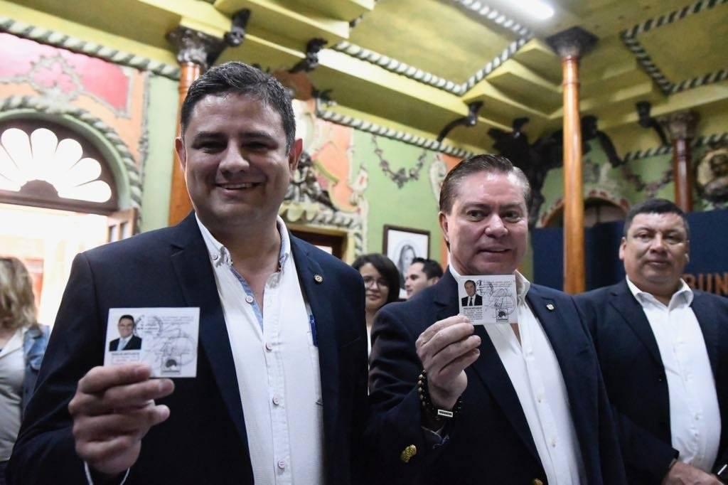 Mario Estrada y Otto Castillo, binomio presidencial de UCN.