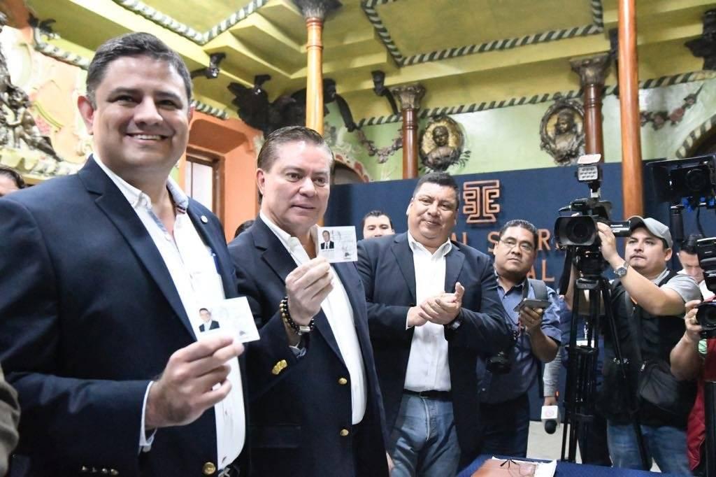 Mario Estrada y Javier Castillo, binomio presidencial de UCN Foto: Omar Solís