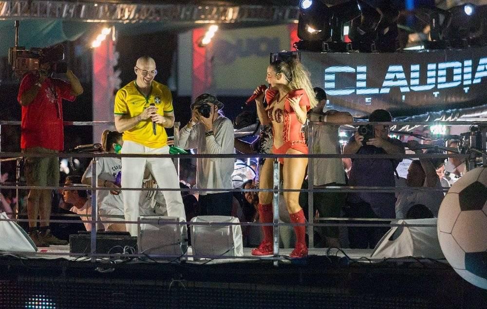 Pitbull e Claudia Leitte no Carnaval de Salvador