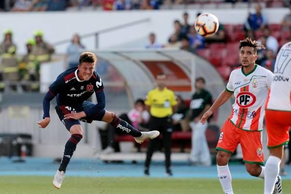 Pablo Parra actuó los 90 minutos en el empate 1-1 entre la U y Cobresal / Foto: Photosport