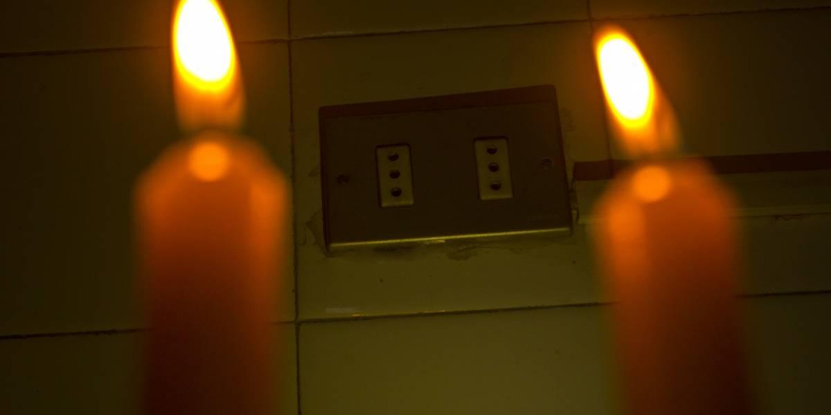 No sólo incendios forestales: vecinos de La Araucanía no tienen luz hace 8 días