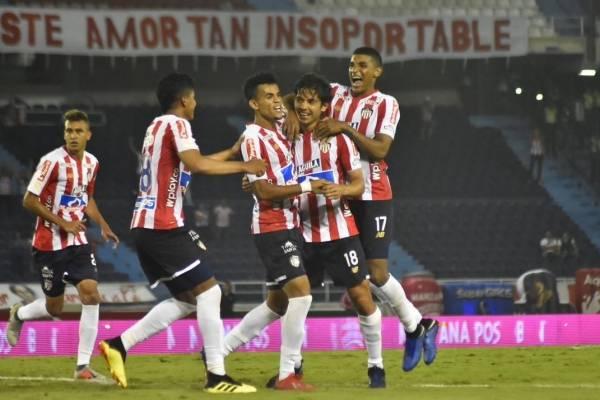 El festejo de gol de Matías Fernández en su estreno en Junior / Foto: Twitter