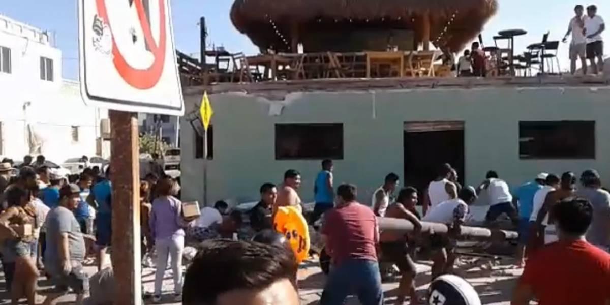 Derrumbe en bar de Progreso deja al menos tres muertos
